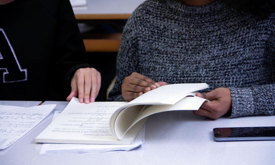 Programas educativos, tecnología y ciencia como estímulo educativo ante la segregación social