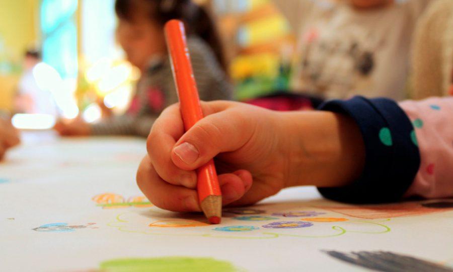 La población emigrante en el sistema educativo español. Oportunidades , retos y desafíos